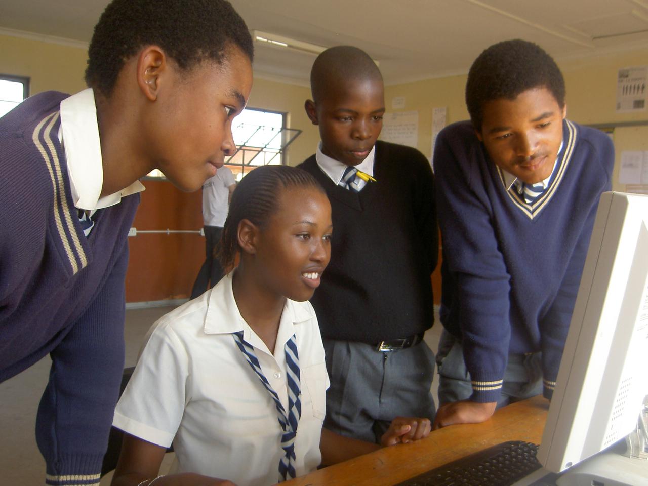 Elever på Mbelebele